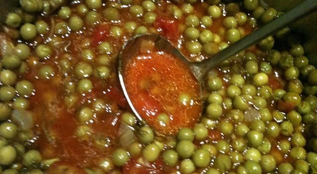 Αρακάς με ντομάτα