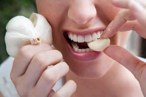 Δεν τρώτε σκόρδο για να μη μυρίζει η αναπνοή σας;