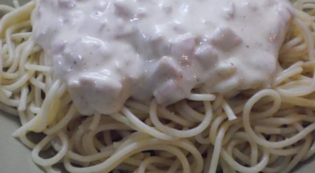 Μακαρόνια με σάλτσα τυριού από φέτα  be3c7c068c9