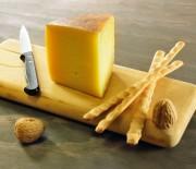 Κριτσινάκια ολικής άλεσης με τυρί