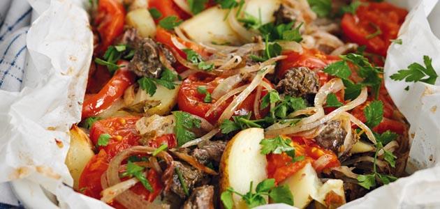 Μοσχαράκι με λαχανικά στη λαδόκολα