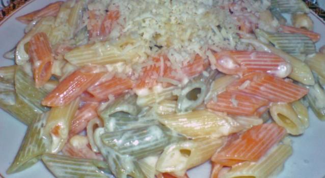Πολύχρωμα ριγκατόνι με κρέμα και τυριά