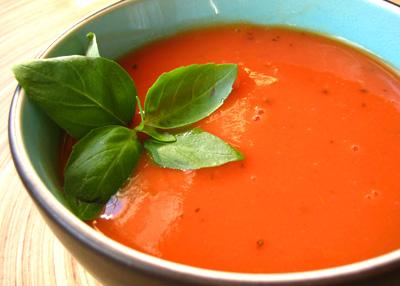Ντοματόσουπα καυτερή