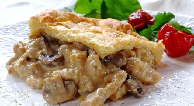 Κοτόπιτα με τυριά και μανιτάρια
