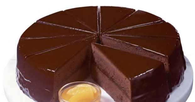 Υπέροχη τούρτα Sachertorte (Ζαχερτόρτε) το Βιεννέζικο γλυκό