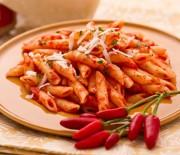 Πέννες «αραμπιάτα» με καυτερή σάλτσα