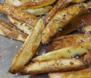 """Πατάτες """"τηγανιτές"""" διαίτης με ελάχιστες θερμίδες"""