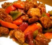 Φανταστική χοιρινή τηγανιά με πολύχρωμες πιπεριές