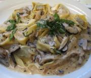 Τορτελίνια με μανιτάρια και κρεμώδη σάλτσα