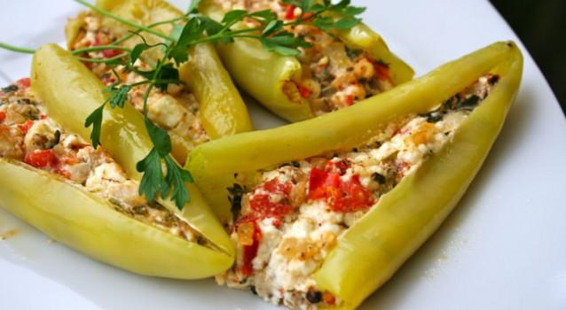 Πιπεριές γεμιστές με τυρί φέτα