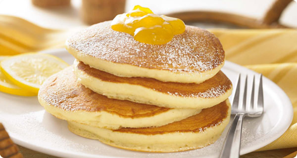 Αφράτα pancakes με άρωμα λεμόνι