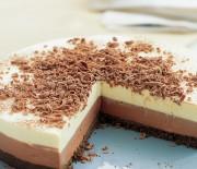 Cheesecake με μπισκότα όρεο και δύο σοκολάτες