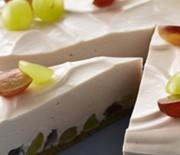 Δροσερή τούρτα με κρέμα τυριού και φρούτα εποχής