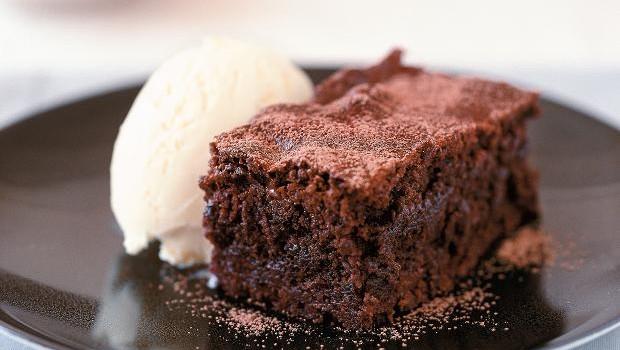 Μαλακό και αφράτο μπράουνι σοκολάτας