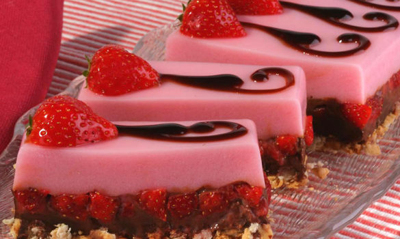 Δίχρωμο γλύκισμα με ζελέ φράουλα και σοκολάτα