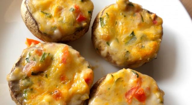 Πατάτες γεμιστές με μανιτάρια και τυρί τσένταρ