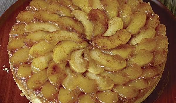 """Κέϊκ με μήλα με λίγες θερμίδες με γλυκαντικό """"onstevia"""""""