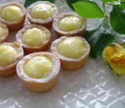 """Αφράτα ταρτάκια λεμονιού διαίτης, με γλυκαντικό """"onstevia"""""""