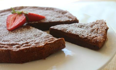 Πανεύκολο κέϊκ νουτέλας με 2 μόνο υλικά  χωρίς αλεύρι