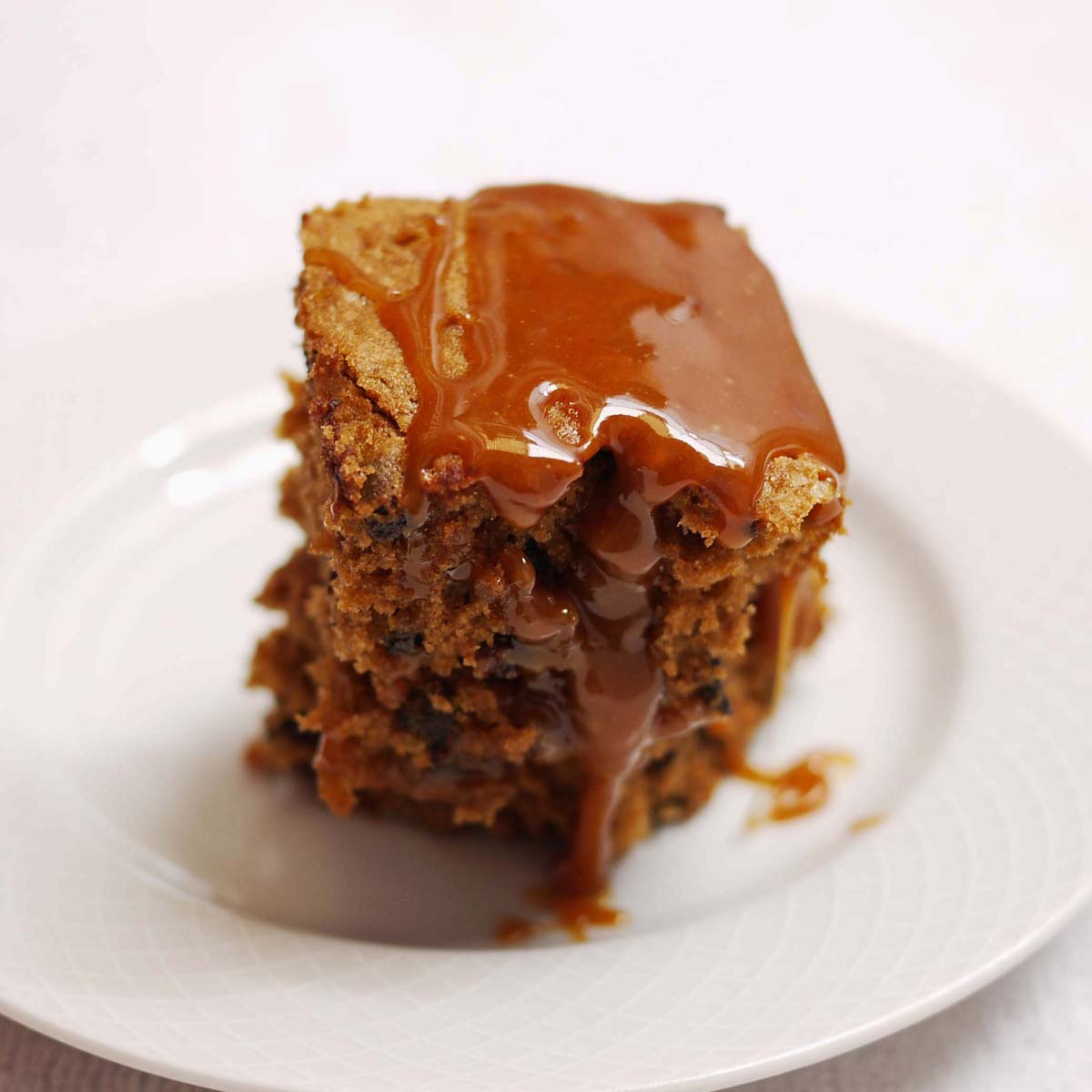 38-chocolate-chip-cake-with-caramel-glaze-2