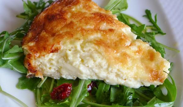 Εύκολη τυρόπιτα με γιαούρτι χωρίς φύλλο