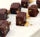 Σοκολατένιες μπουκίτσες με ζαχαρούχο, καρύδια με 4 υλικά σε 2 κινήσεις