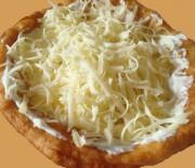 Υπέροχα τηγανόψωμα με γιαούρτι και γραβιέρα