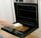 Πως θα καθαρίσετε εύκολα το φούρνο σας