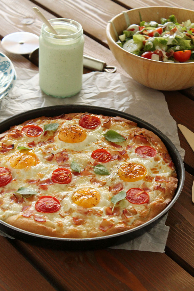 Gruyere-egg-bacon-pizza-1