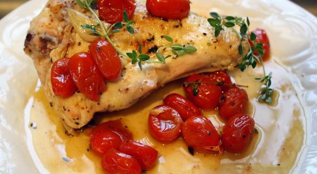 Γρήγορο και εύκολο λεμονάτο κοτόπουλο με ντοματίνια και σκόρδο