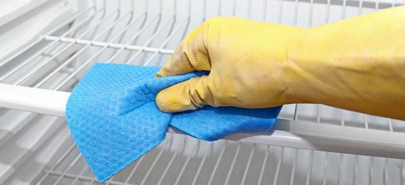Πως να καθαρίσετε το ψυγείο σας