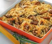 Σπαγγέτι φούρνου με μανιτάρια πλευρώτους και γραβιέρα
