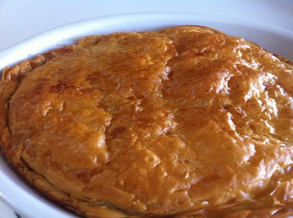 Bougatsa-Custard-pie-with-Phyllo-and-ground-cinnamon-3-1024x764