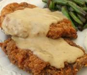 Τραγανά σνίτσελ κοτόπουλου με σάλτσα κάρυ