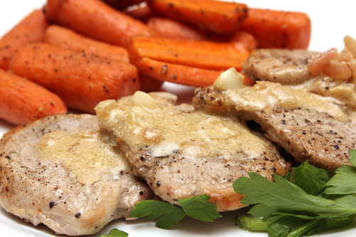 Ψαρονέφρι με σάλτσα μουστάρδας και μελωμένα καροτάκια baby