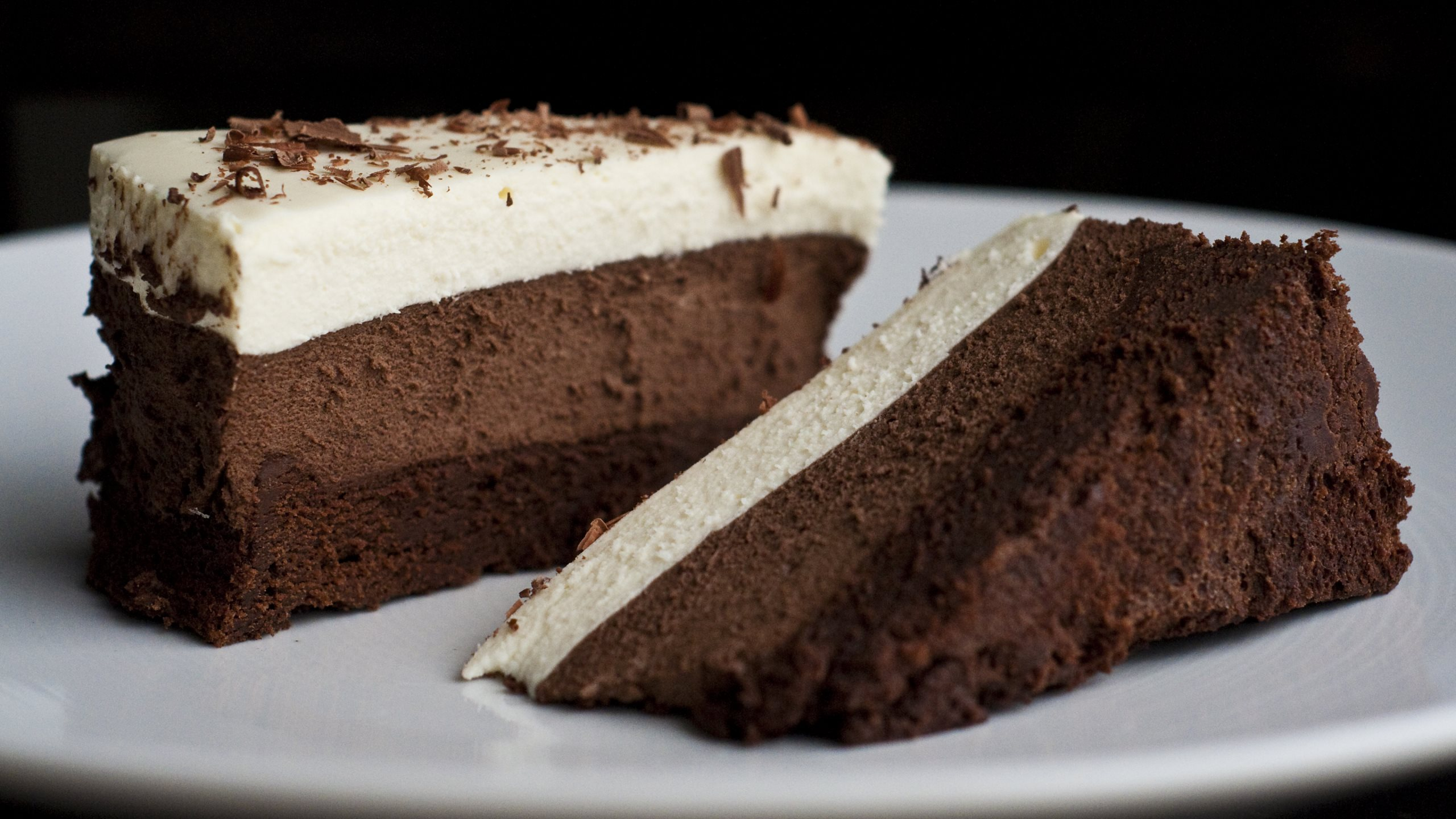 Triple Chocolate Mousse Cake_2560x1440