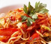 Λιγκουίνι με σάλτσα ψητής πιπεριάς
