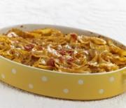 Φιογκάκια με τυριά και ντοματάκια στο φούρνο