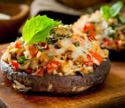 Μανιτάρια portobello γεμιστά με ρύζι, πιπεριές και φέτα
