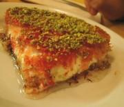 Καταΐφι σιροπιαστό με τυρί κρέμα