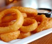 Onion rings [τηγανιτά κρεμμύδια σε ροδέλες]