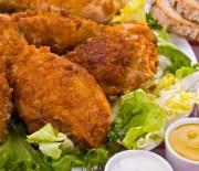 Αρωματικό, μαριναρισμένο κοτόπουλο στο τηγάνι