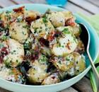 Πατατοσαλάτα με ψητή ζεστή πατάτα και προσούτο