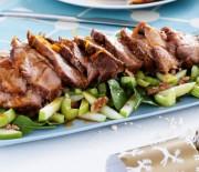 Χοιρινό με σάλτσα μαρμελάδας με τζίντζερ στη κατσαρόλα