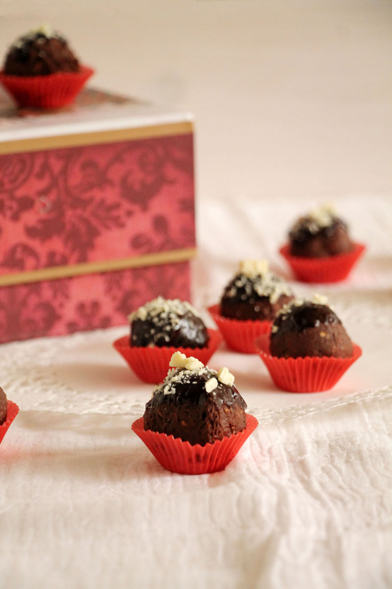 Chocolate-nutella-hazelnut-truffles-1 (1)