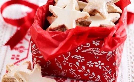 Χριστουγεννιάτικα μπισκότα με γλάσο ζάχαρης