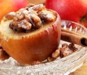 Ψητά μήλα με καρύδια & σταφίδες