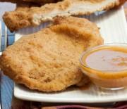 Σνίτσελ κοτόπουλου με σάλτσα λεμονιού
