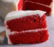 Κέικ Red Velvet με αφράτη κρέμα τυριού