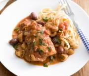 Κοτόπουλο με μανιτάρια, ελιές & ξύδι μπαλσάμικο